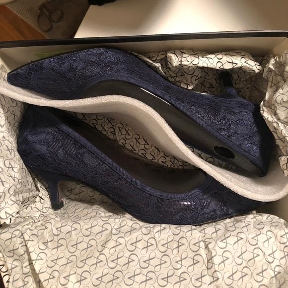 4177c61ddf2 Arianna Papell Lois Pumps - Navy Lace Kitten Heel